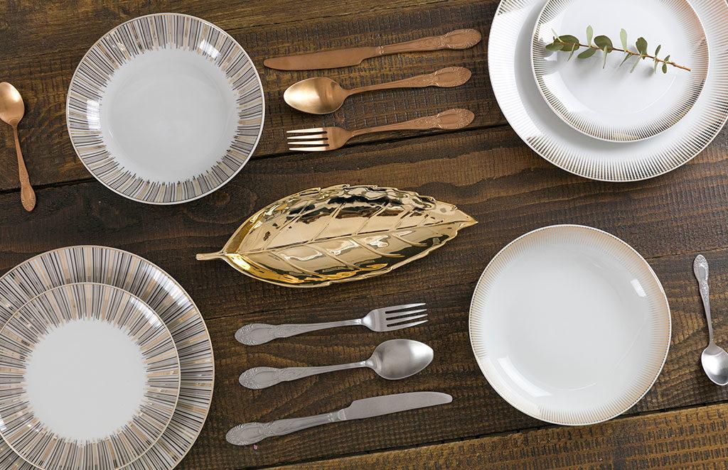 piatti bianchi decoro bordo