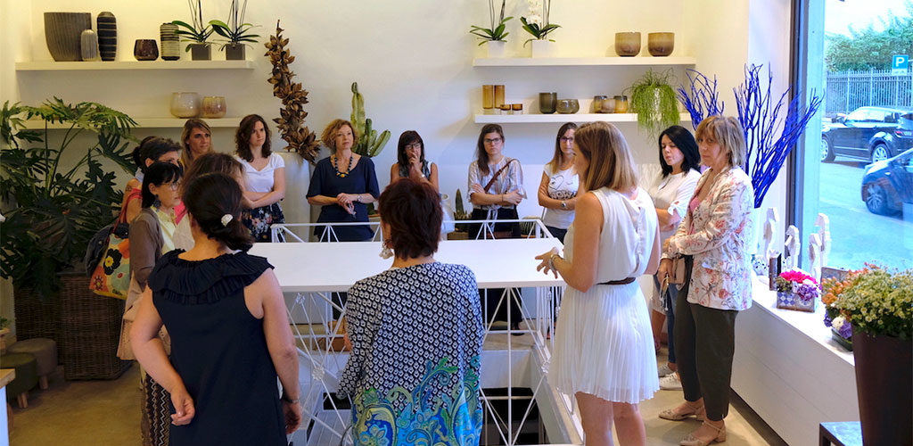 workshop a tavola con la casa in ordine
