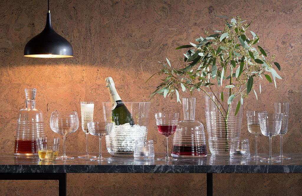 bicchieri vino rosso e champagne
