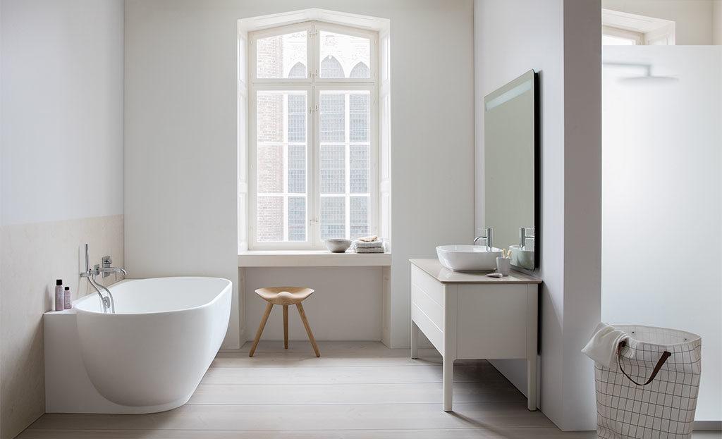 mobile bagno e vasca ovale
