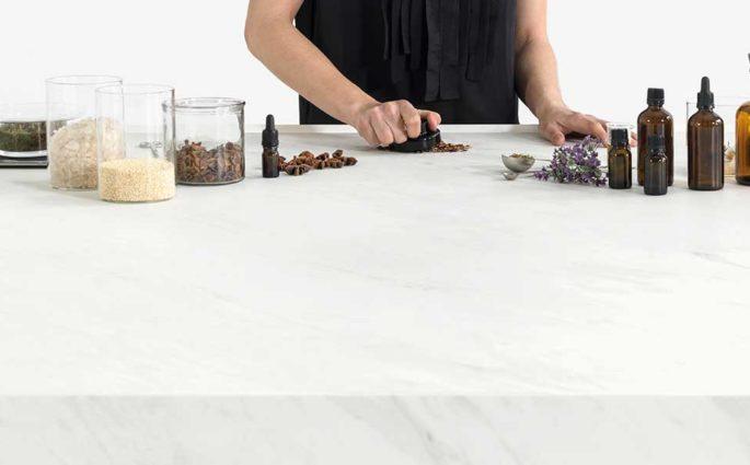 top cucina pietra bianco