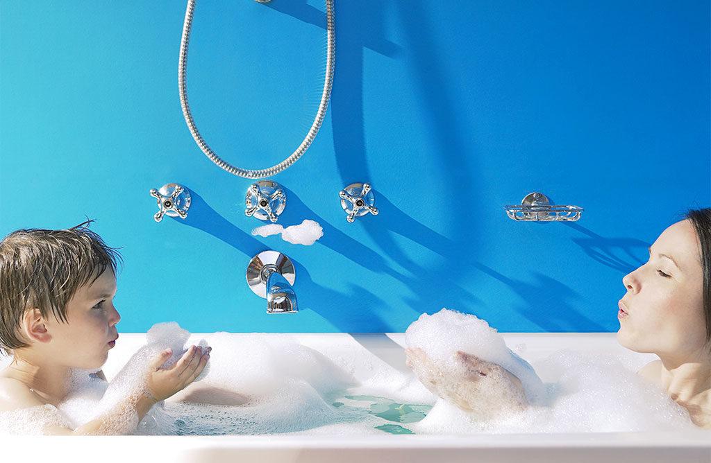 azzurro bagno vasca sapone
