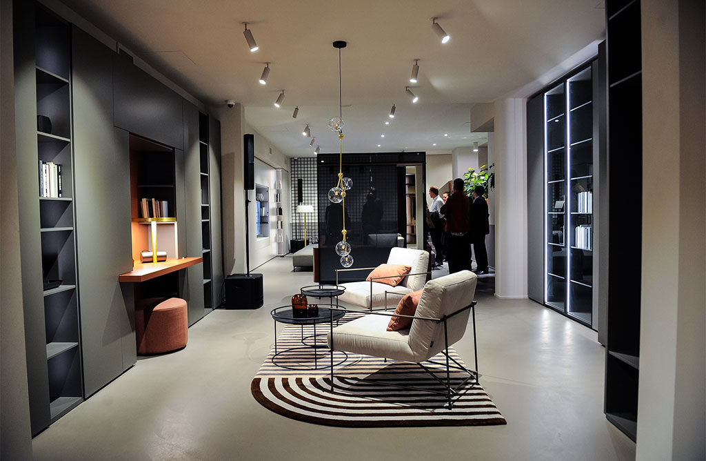 flagship store caccaro milano