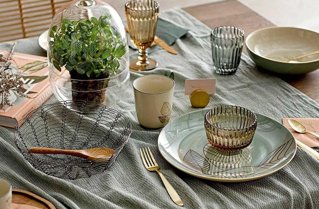 servizio piatti ceramica decoro oro