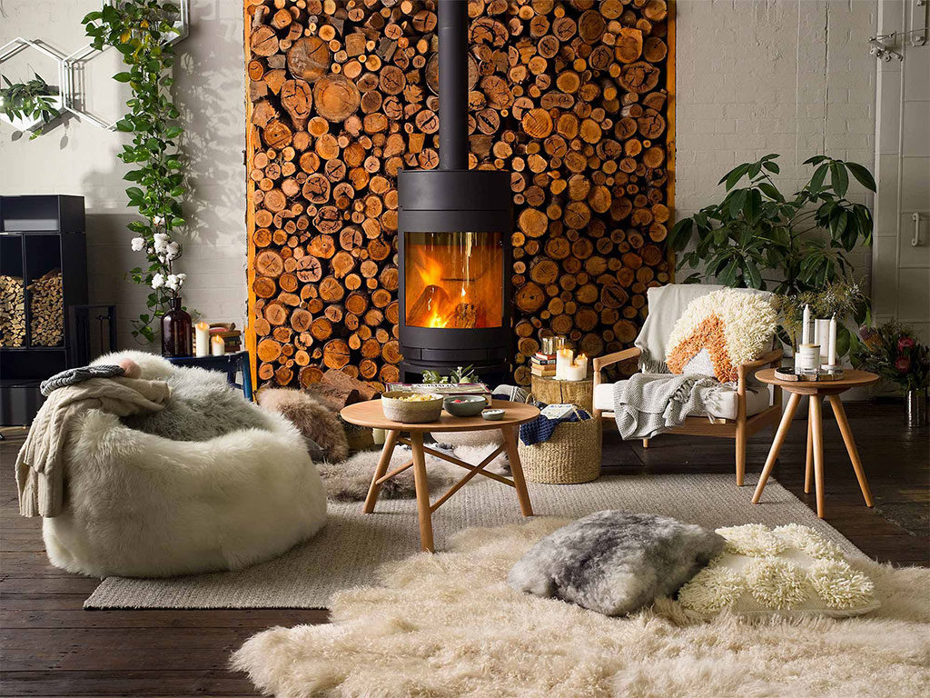 stufa legna accesa living