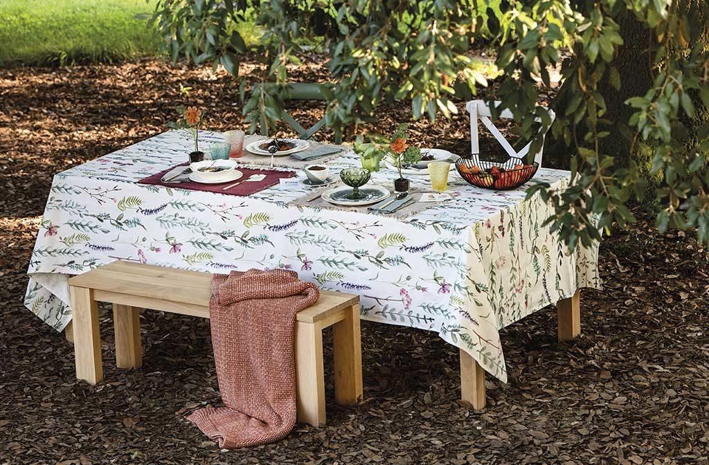 tavola apparecchiata giardino autunno