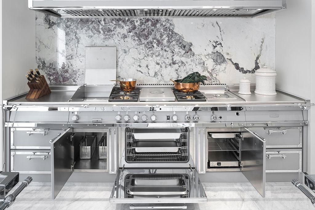 cucina acciaio e grigio