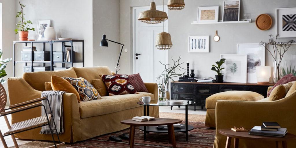 divano a tre posti giallo beige