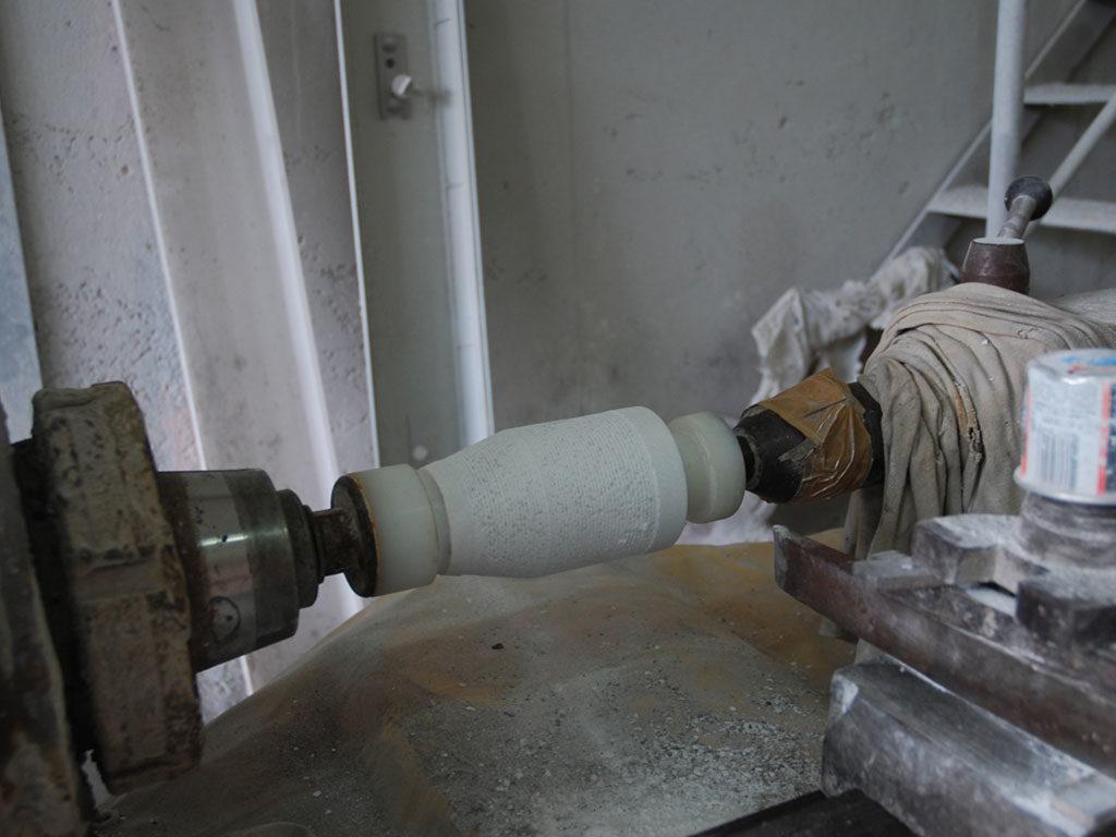 lavorazione marmo tornio lampada