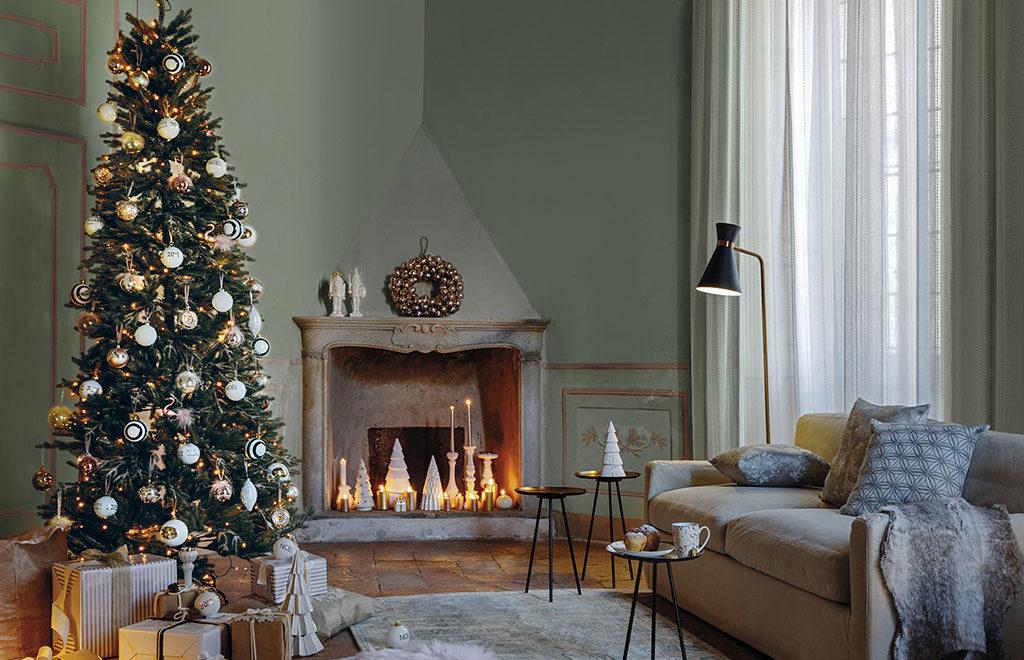 albero natale living e decorazioni