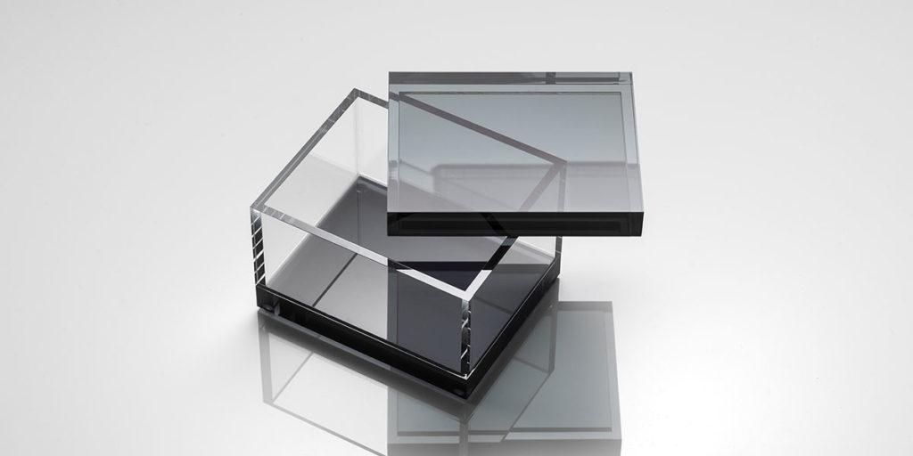 scatola trasparente cristallo sintetico fume