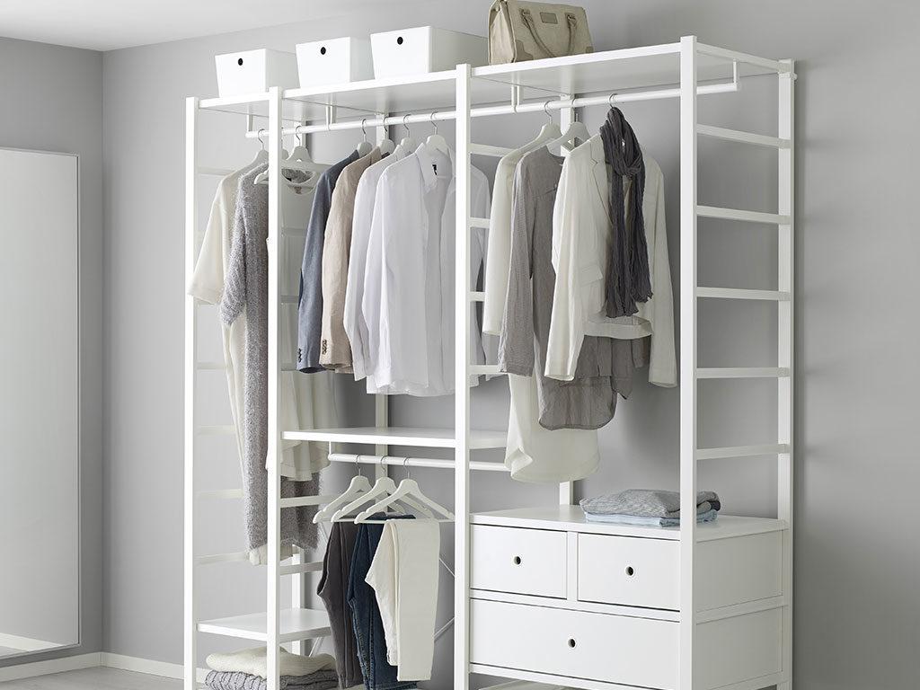 cabina armadio bianco a vista legno