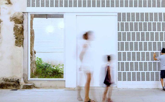 facciata casa laterizio bianco