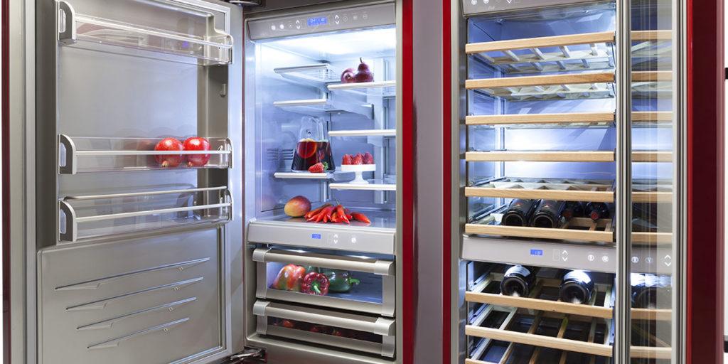 frigorifero rosso aperto luce led