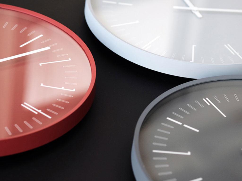 orologi da parete colorati