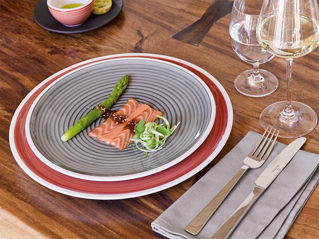 piatti porcellana rosso e grigio