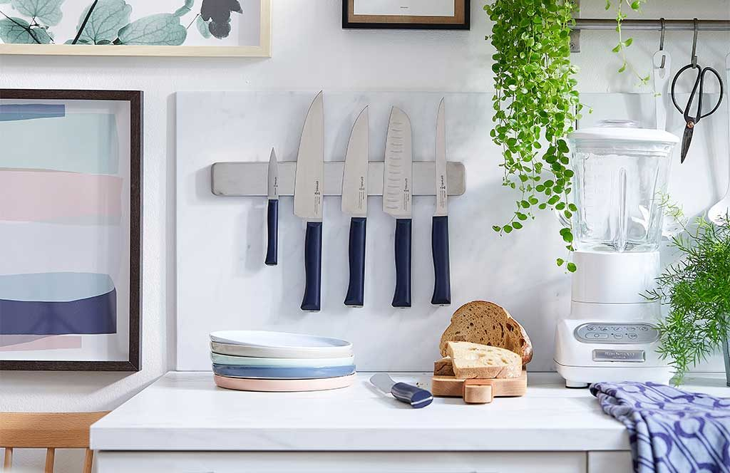coltelli cucina opinel banda magnetica parete
