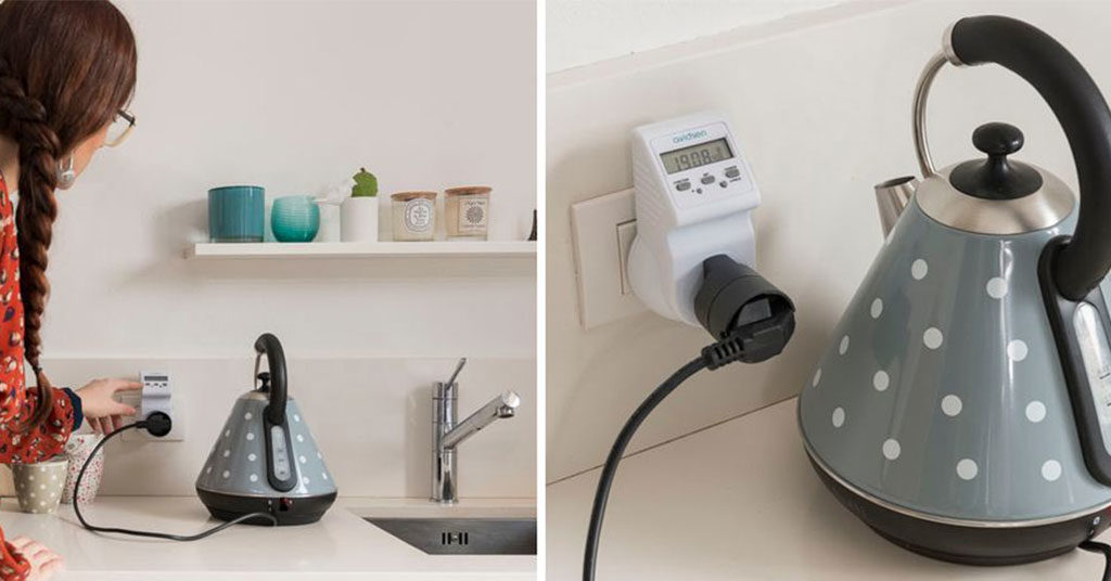 presa elettrica con wattmetro