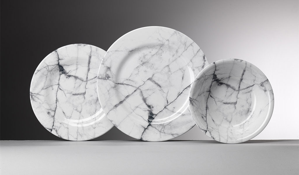 piatti effetto marmo bianco