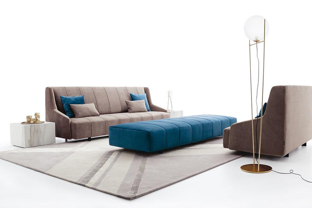 divano e pouf tessuto