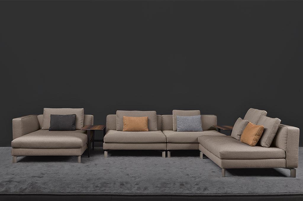 divano imbottito sospeso