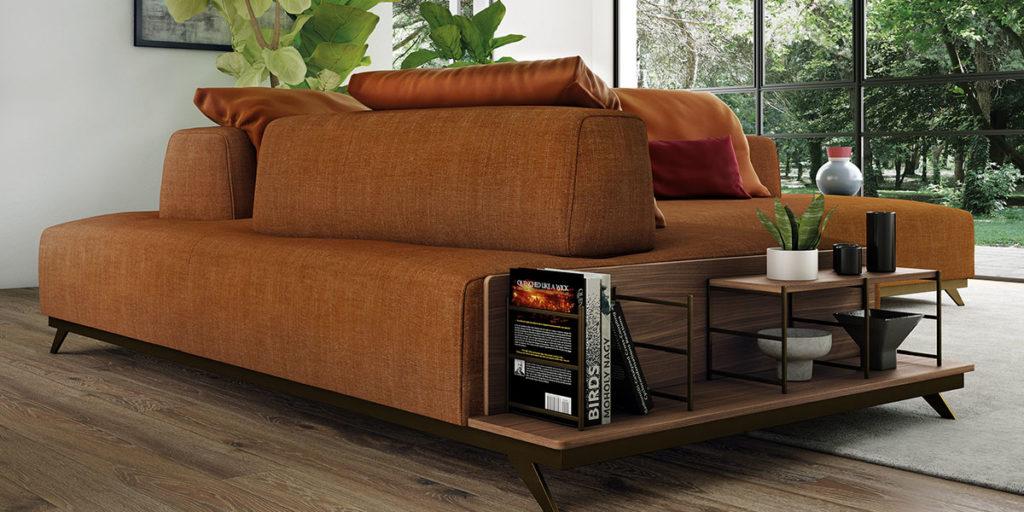 divano in tessuto colore ruggine