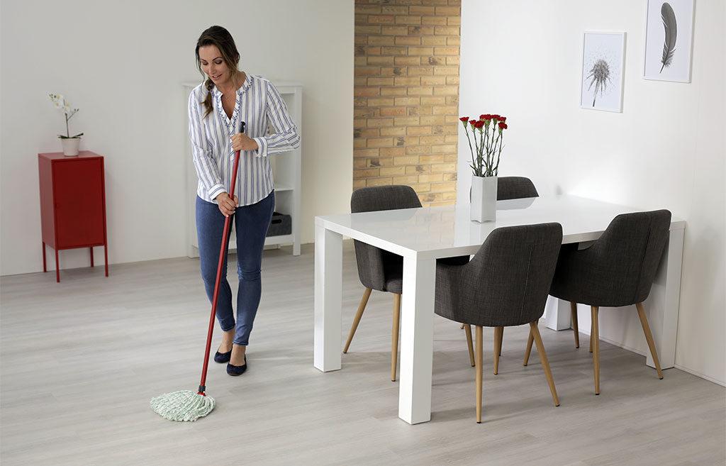 mocio microfibra pulizia pavimento