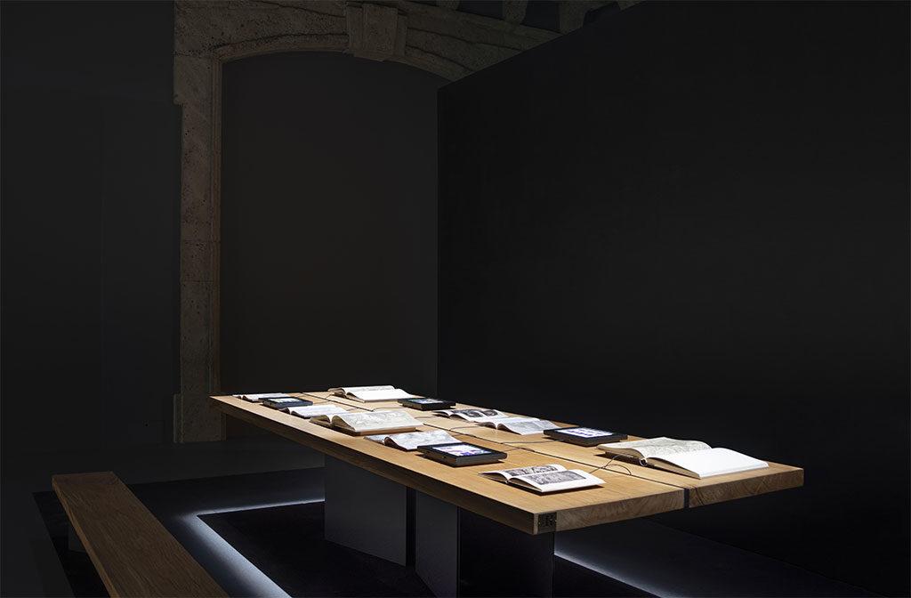 tavolo legno quercia sala ambrosiana