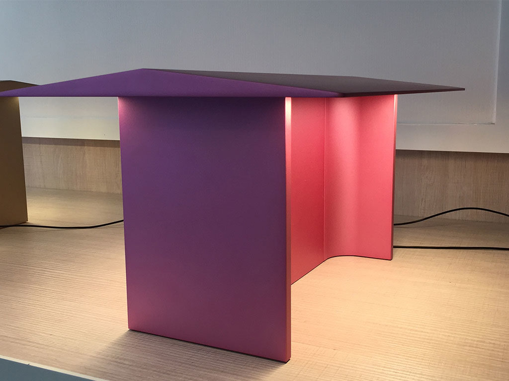 lampada da tavolo fienile rosa