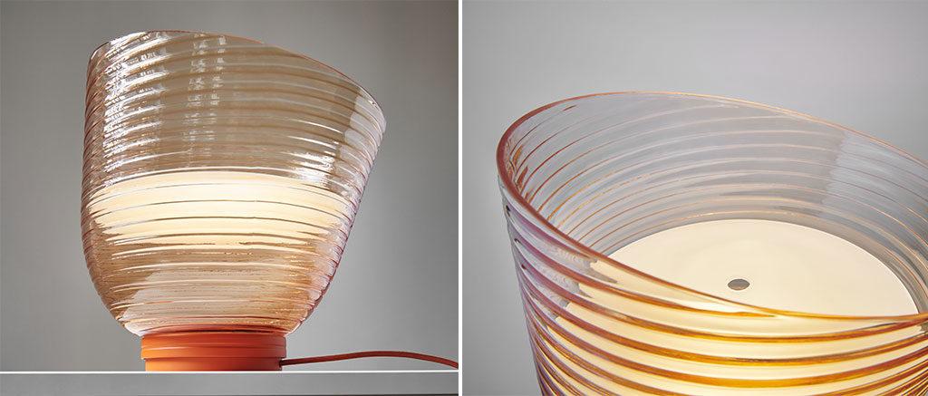 particolare lampada tavolo vetro colorato