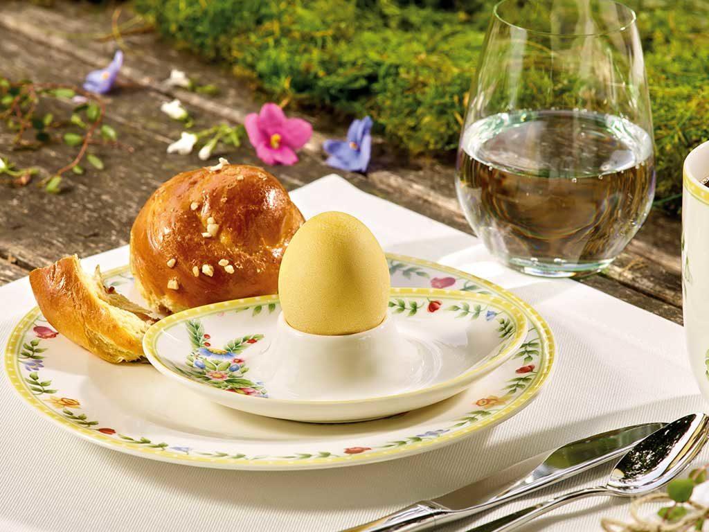 porta uovo tavola
