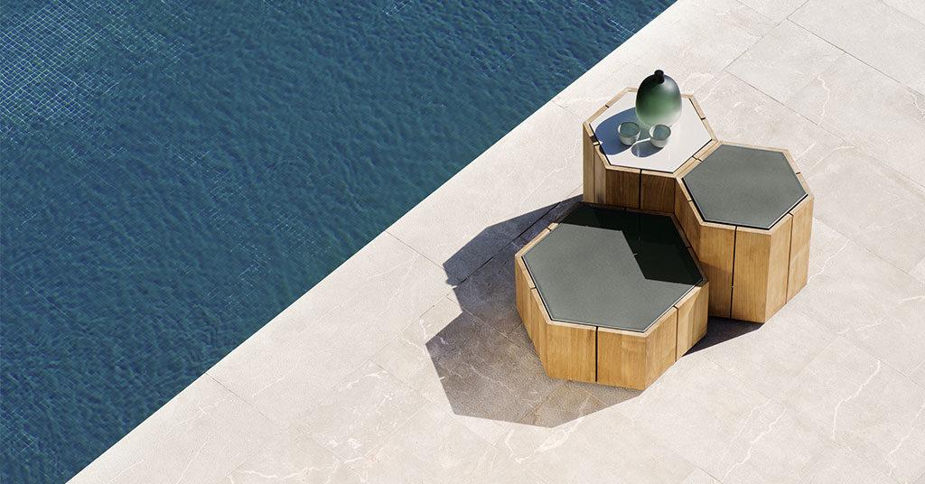tavolini bassi bordo piscina