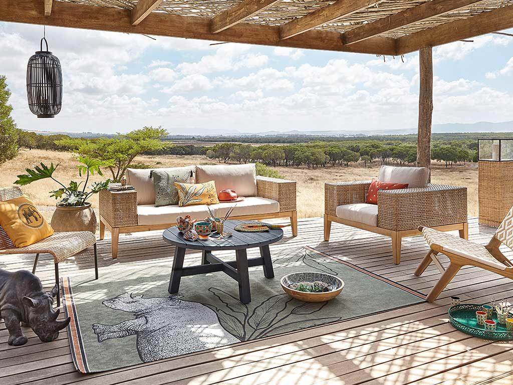 patio legno arredato mobili