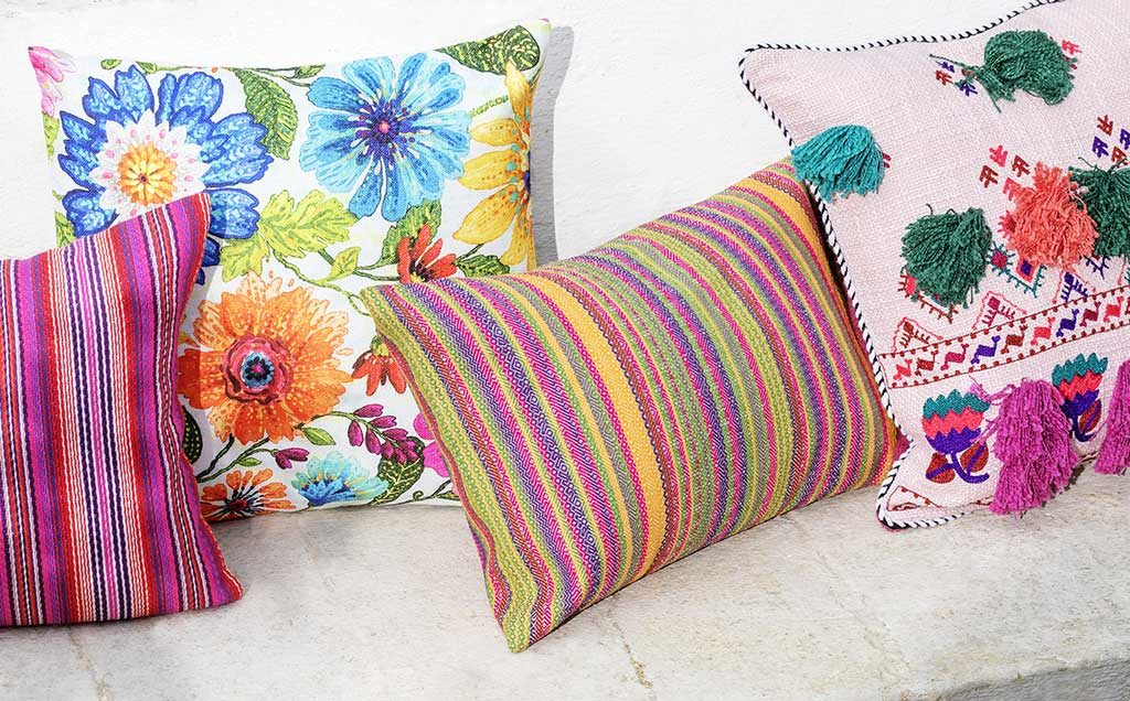 cuscini colorati esterno