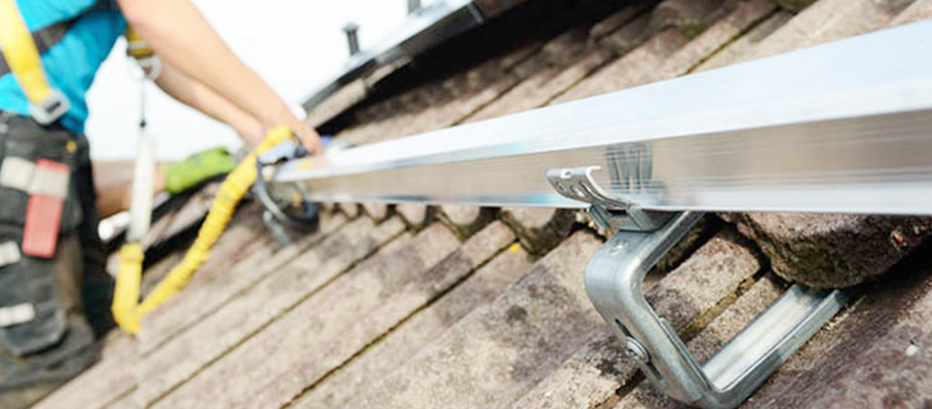 montaggio pannelli solari tetto senza fori