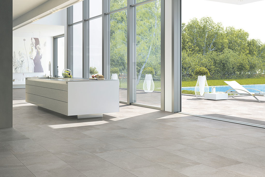 gres porcellanato chiaro indoor e outdoor