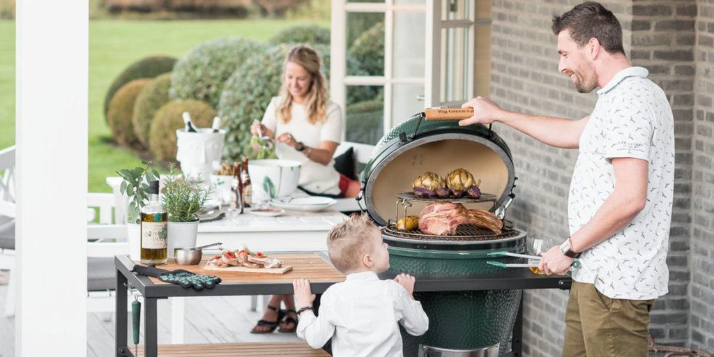 barbecue grigliata famiglia
