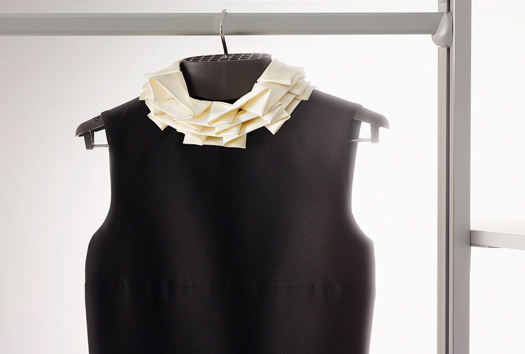 gruccia vestito armadio igienizzante
