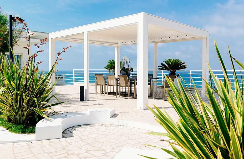 pergolato bianco terrazza mare