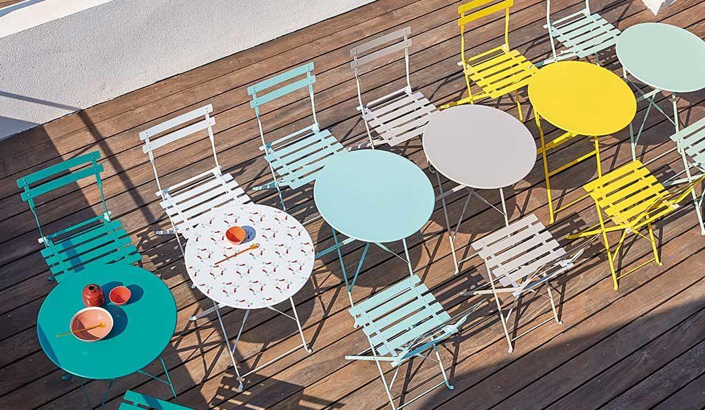 tavolini tondi e sedie esterno