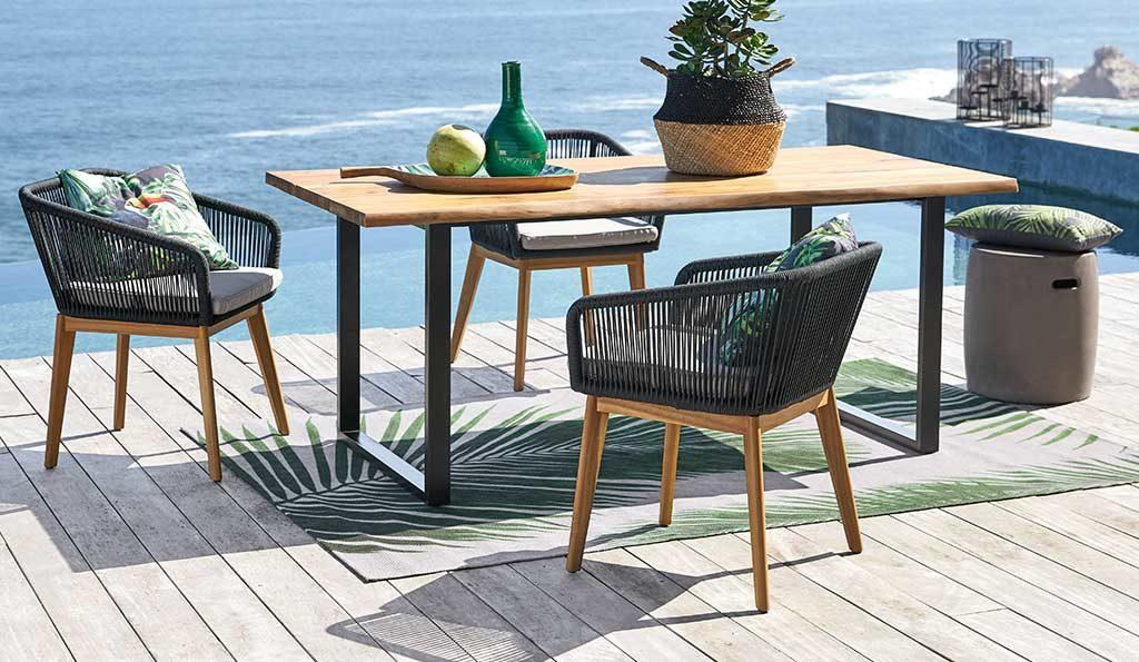 tavolo e sedie esterno legno acciaio