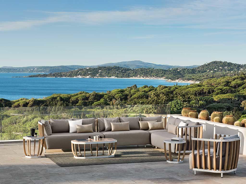 divano da esterno con poltroncine
