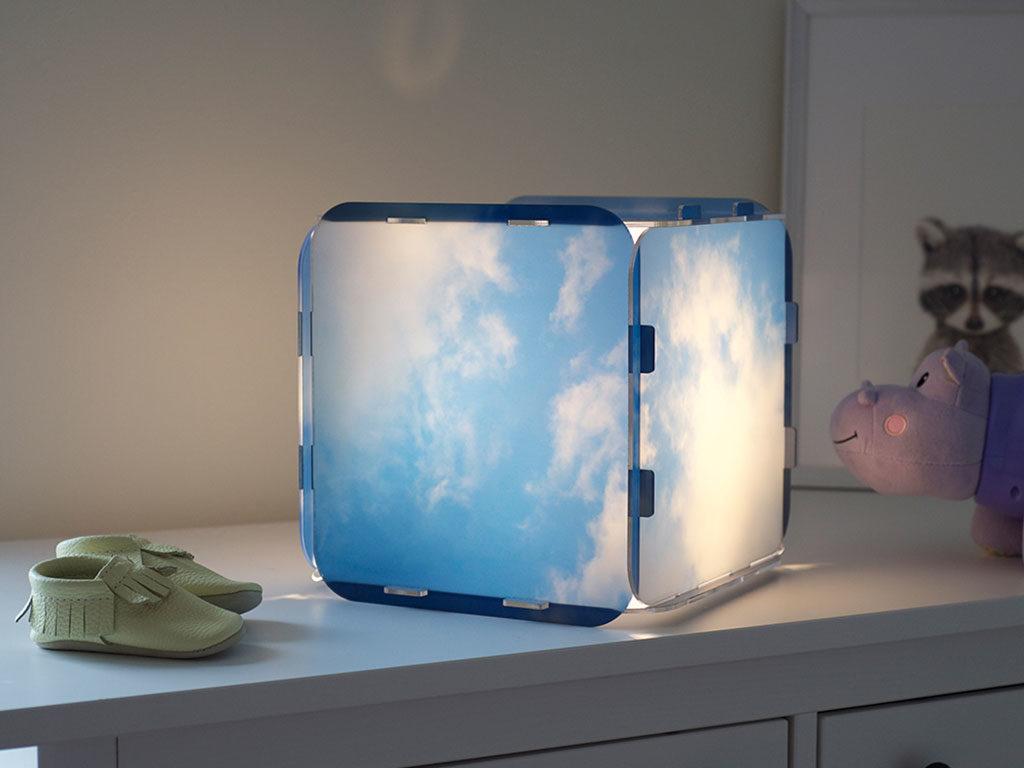 lampada da tavolo cubica