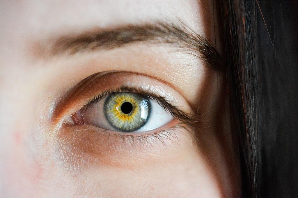 ritratto particolare occhio donna