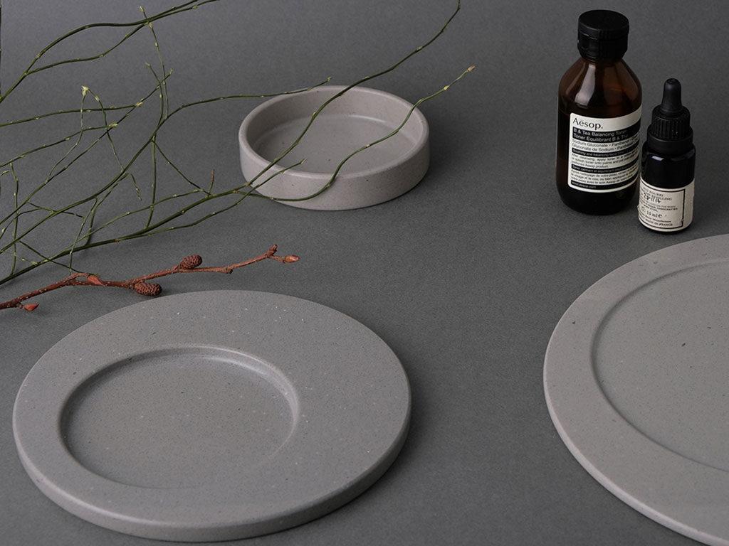 piatti design grigio lunare