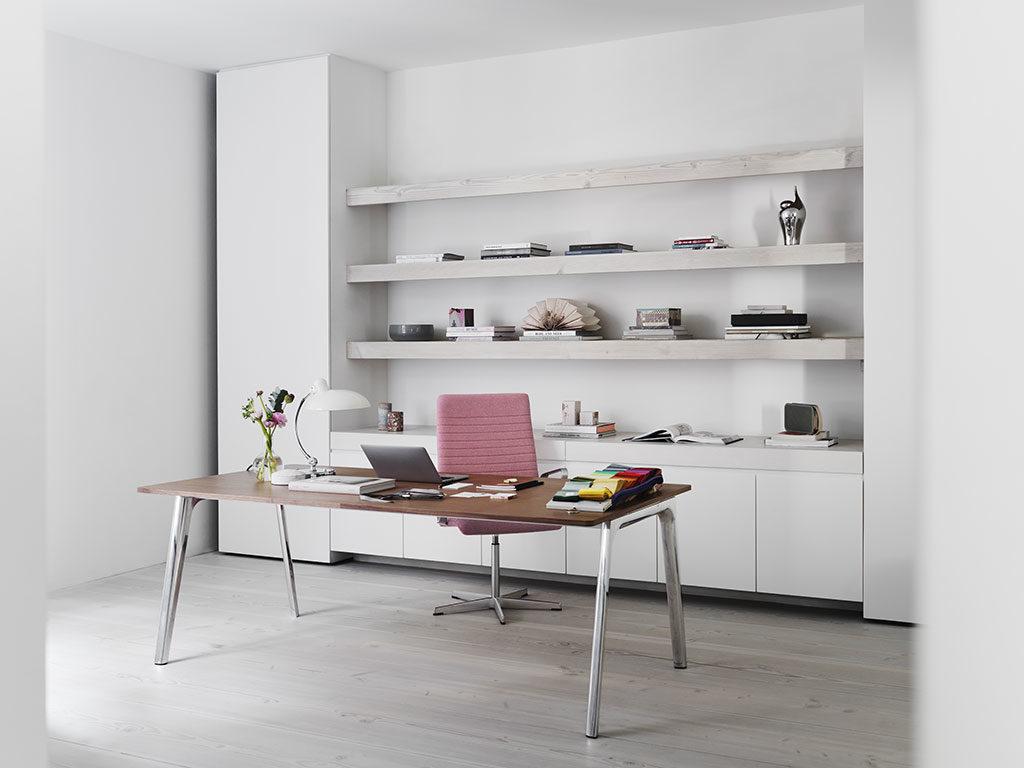 scrivania legno e gambe acciaio