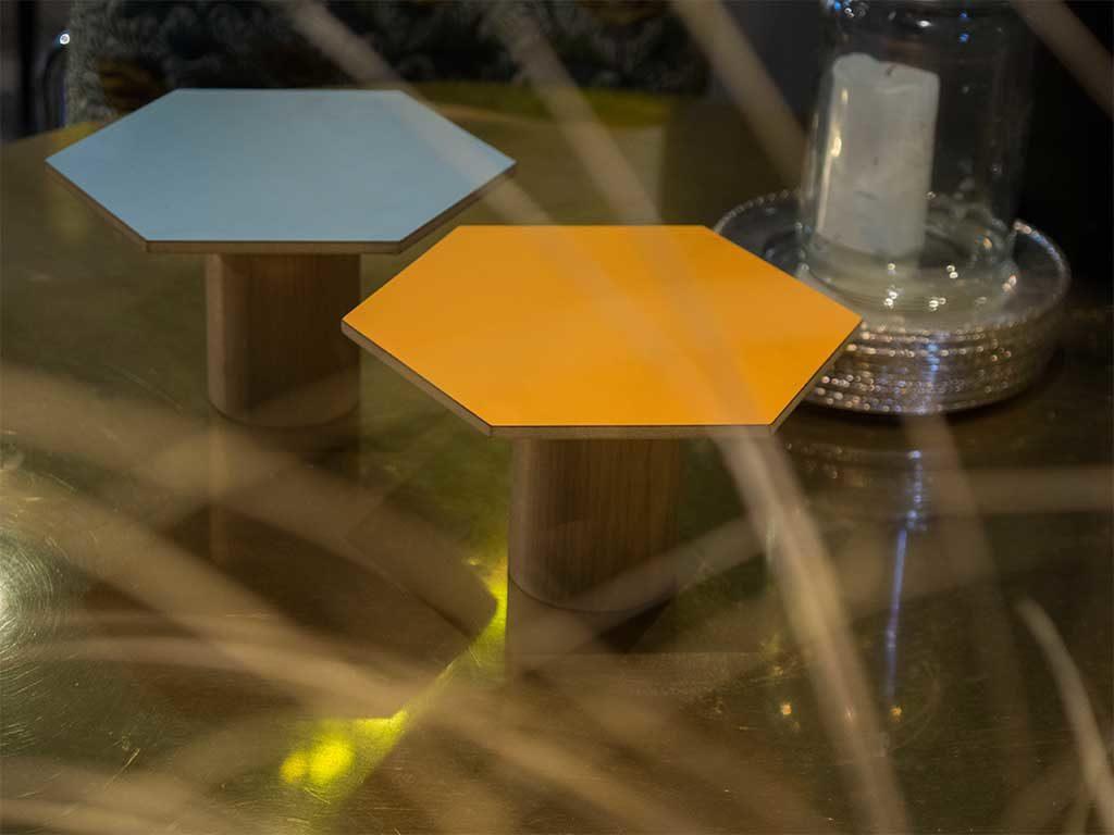 tavolini esagonali design colorati