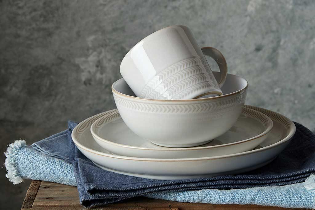 tazza mug piatto bianco