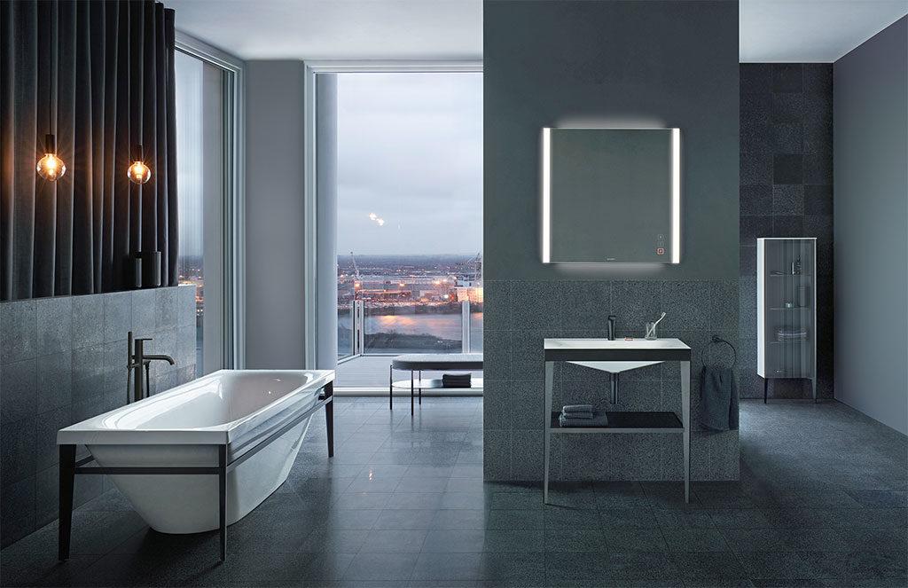 arredo bagno e specchio illuminato