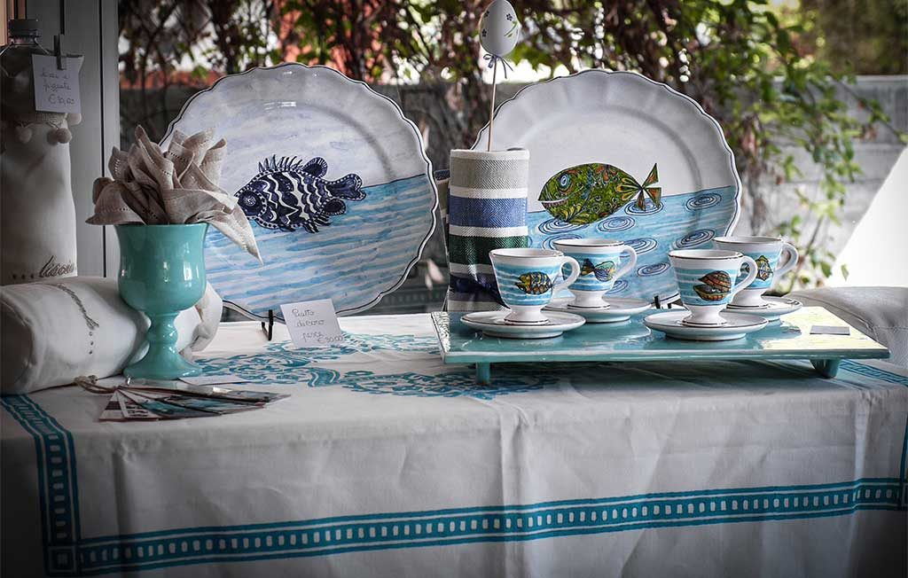 tableware ceramica decorato a mano